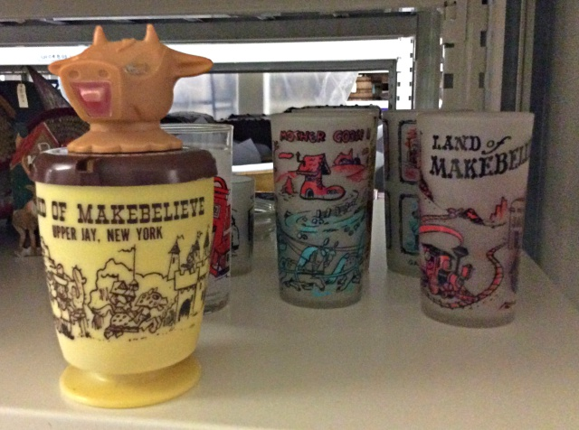These souvenir cups from the Land of Makebelieve evoke the charming atmosphere that was a Monaco trademark.