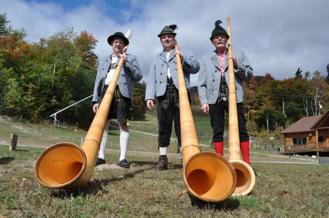 The iconic alpenhorn players